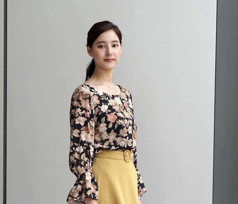 スーツの聖澤真琴‐ひじりさわまことは誰?かわいい新木優子の画像